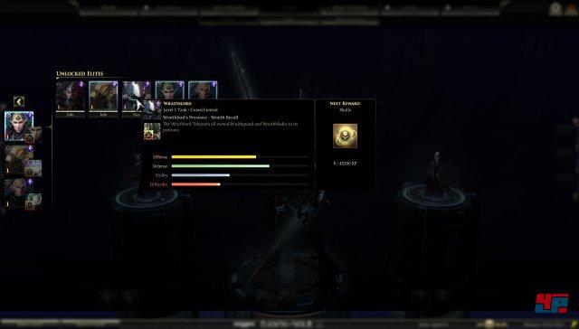 Bevor man sich ins Gefecht stürzt, müssen Helden und Doktrinen ausgewählt werden. Bei den Eldar kann man sich zum Beispiel für den Wraithlord entscheiden. Helden bzw. Elite-Einheiten können mit gesammelten Skills freigeschaltet werden und sammeln in Kämpfen an Erfahrung.