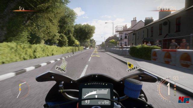 In der Cockpitansicht wird der Geschwindigkeitsrausch noch intensiver.