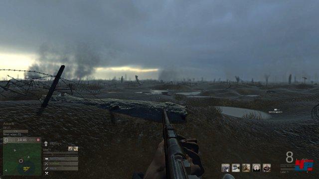 Niemandsland: Die Artillerie hat von den grünen Wiesen Flanders wenig übrig gelassen.