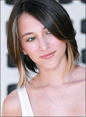 Zelda Williams f�hrte charmant durch das Programm.