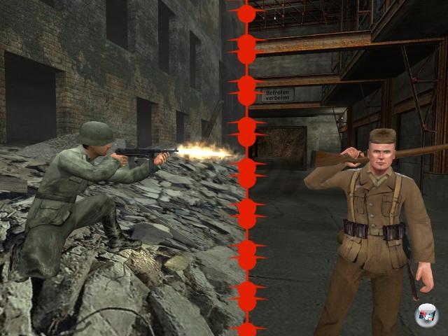 <b>Call of Duty vs. Medal of Honor:</b><br><br>Shooter, die im Zweiten Weltkrieg spielen, waren selbst in den 90ern keine Seltenheit - wir rufen mal wie Worte »Main Läybän!« in die Erinnerung. Wie auch immer, im Jahre 1999 wurde das Genre »WW2 Shooter« nachhaltig geprägt: Eletronic Arts veröffentlichte mit Medal of Honor einen innovativen Shooter auf der PlayStation, der eine bemerkenswerte Gratwanderung zwischen Schleichen und Ballern hinbekam - dieses Verhältnis hat sich im Laufe der Zeit immer mehr in Richtung Action verschoben. Call of Duty sah erst vier Jahre später das Licht, entwickelt von ehemaligen Medal of Honor-Machern unter dem neuen Namen Infinity Ward. CoD verabschiedete sich von der einseitigen Sichtweise der Amerikaner und präsentierte nicht nur verschiedene Perspektiven (u.a. von Briten, Russen und Polen), sondern auch gigantische Massenschlachten mit zermürbendem »Du bist nur ein kleines Rädchen!«-Mittendrin-Gefühl. Das Problem an beiden Serien: Ihnen gehen mittlerweile die Szenarien aus - wohl auch ein Grund dafür, dass das großartige CoD 4 in der Gegenwart statt vor gut 60 Jahren spielt. 1906518