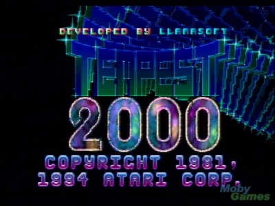 Dabei ging es eigentlich richtig gut los: Erinnert ihr euch an Tempest 2000? Damit erschuf Jeff Minter, der u.a. für den effektvollen Musik-Visualizer der Xbox 360 verantwortlich zeichnet, einen der besten Titel für die Jaguar-Konsole. Farbenfrohe, psychedelische Effekte, ein zeitlos einfaches, aber packendes Spielprinzip und nicht zuletzt der geniale Soundtrack sorgen auch heute noch für Herzklopfen. Ja, ja, der Jaguar... 1710566