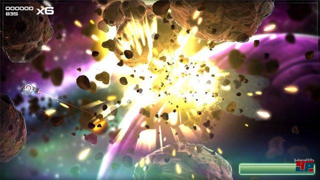 Vom Start weg zieht die ansehnliche Kulisse mit fetten Explosionen in den Bann.