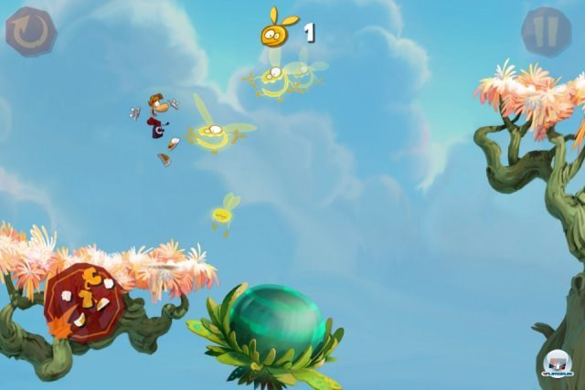 Rayman rennt von allein durch die liebevoll designten Levels - man muss sich nur um das Aufsammeln der Lums kmmern, Hindernissen ausweichen und Gegner vermbeln.