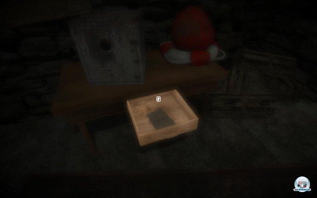 Rätsel, die die Welt nicht braucht: Die Zahlenkombination für den Safe befindet sich in der Schublade darunter.