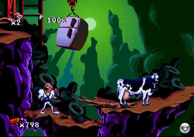 <b>Earthworm Jim</b><br><br>Wir reden hier nicht nur von zwei der nachweislich besten Jump-n-Runs aller Zeiten, die mit einem unw�rdigen 3D-Nachfolger gestraft wurden. Wir reden hier von Spielen, die sich um einen Regenwurm drehen, der durch einen vom Himmel gefallenen Superanzug zum Superregenwurm mit Superschleimrucksack und Superlaser wurde, der eine garstige Kr�he bek�mpft, welche eine Prinzessin entf�hrt hat, deren Namen sich keiner merken kann! Das ist Hollywood-Material!