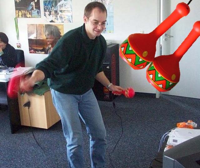 Ziemlich einmalig, dafür aber auch einmalig gut: Die Rassel-Controller, die für horrend viel Extrageld dem Dreamcast-Original von Samba De Amigo beilagen. Laut Gevatter Krosta bis heute der besteste Controller EVAR, und den gefühllosen Aufsätzen für das Wiimake des Spiels um Welten voraus. 1997528