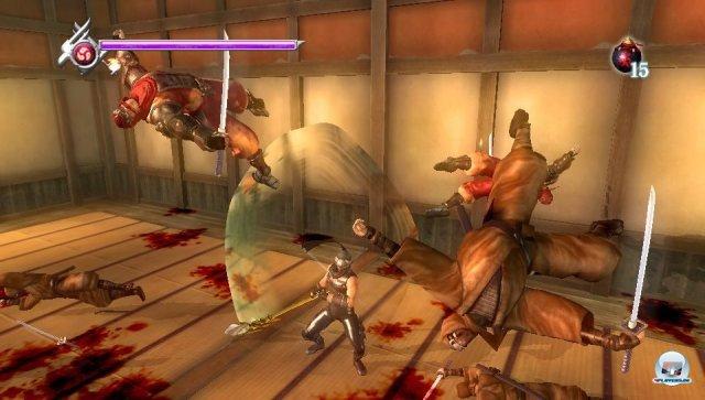 Katanas flirren, die Gegner wirbeln durch die Luft: Ryu Hayabusa, wie man ihn kennt, liebt und hasst.