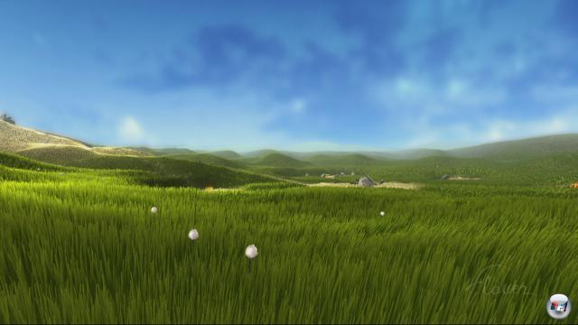 Auf PlayStation 4 sieht Flower noch schöner aus und fließt butterweich: Abgesehen von der Auflösung in 1080p profitiert die Kulisse von besserer Kantenglättung sowie deutlich mehr Details, was Partikel-, Licht- und Graseffekte betrifft.