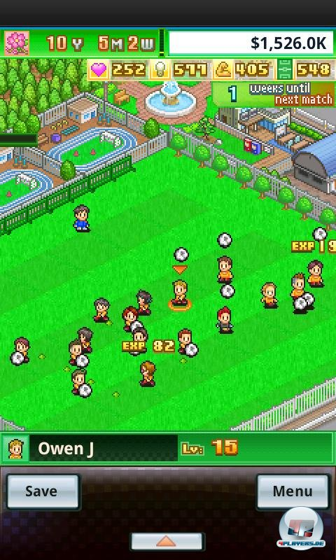 Auf dem Vereinsgelände leveln die Pixel-Kicker ihr Können hoch. Wenn man ihnen nichts vorgibt, entscheiden sie sich eigenständig für ein Trainingsprogramm.