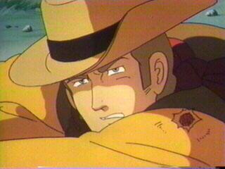 Badlands (1984)<br><br>Und natürlich wurde es besser! Die Spielhalle wurde zunächst einmal zum Saloon; Light Guns wurden zu Colts und normale Buttons zum Abzug - je nachdem, ob man im 82-er Cheyenne oder in Konamis Badlands Banditen jagte. Letzteres war ein früher Vertreter des grafisch aufwändigen Schienenshooters: Man musste nur im richtigen Moment den Knopf drücken und schon nahm Protagonist Bucks Rache an den Gangstern, die seine Familie auf dem Gewissen hatten. Keine spielerische Revolution, aber ein hübscher Anime mit... äh... Dinosauriern – und nicht zuletzt Konamis einziges auf Laserdisc gebranntes Spiel. 2092848