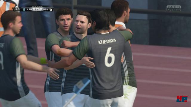 Trotz der neuen Engine entwickelt sich FIFA 17 grafisch nicht besonders. Auch die Spielergesichter wirken noch etwas wachsig.