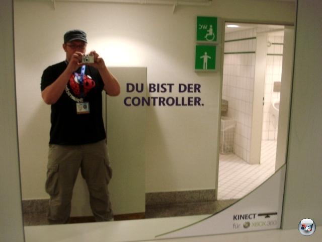 <b>Die Erkenntnis, dass...</b><br><br> ...ich der Controller bin. Glatt gelogen! Bin der Commander. 2145458