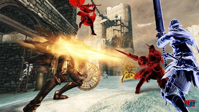 Das Spiel enthält alle Erweiterungen und ist online für sechs statt vier Spieler zugänglich.