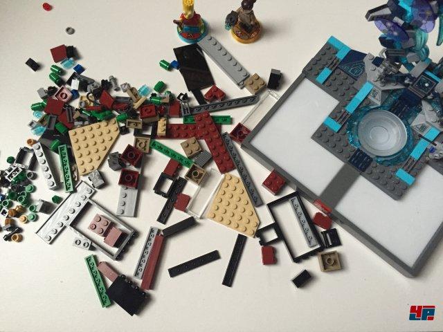Das alte Portal hat mit dem neuen Story-Pack ausgedient. Der neue Aufsatz muss allerdings erst wieder (typisch Lego) gebaut werden.