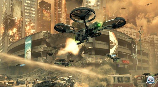 Zur Abwechslung liegt mal nicht New York in Schutt und Asche, sondern Los Angeles. Black Ops 2 bietet jede Menge futuristisches Kampfgerät.