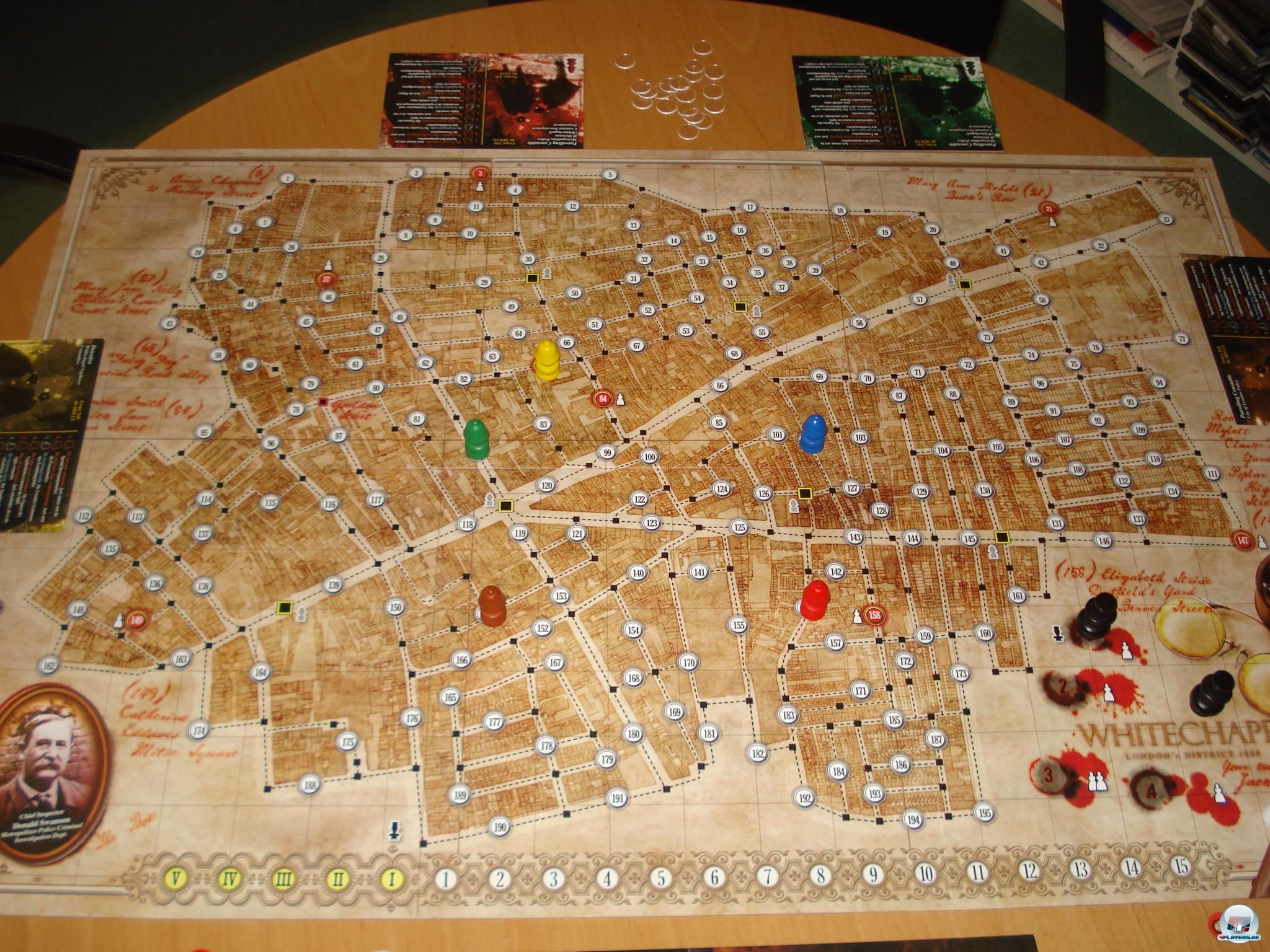 Bis zu fünf Ermittler jagen Jack the Ripper durch ein Straßenlabyrinth.