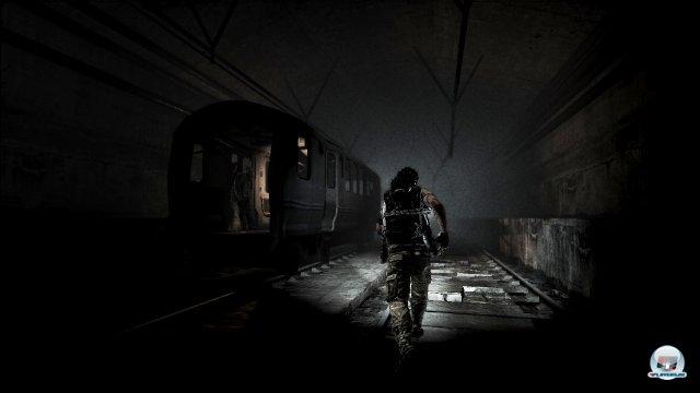 Licht im Dunkeln: Stellenweise kommt Horrorflair auf.