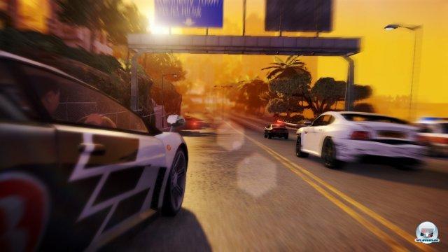 Die Fahrphysik erinnert leider an die Need for Speed-Titel von Black Bo - das Umsteigen in ein anderes Auto ist allerdings klasse.