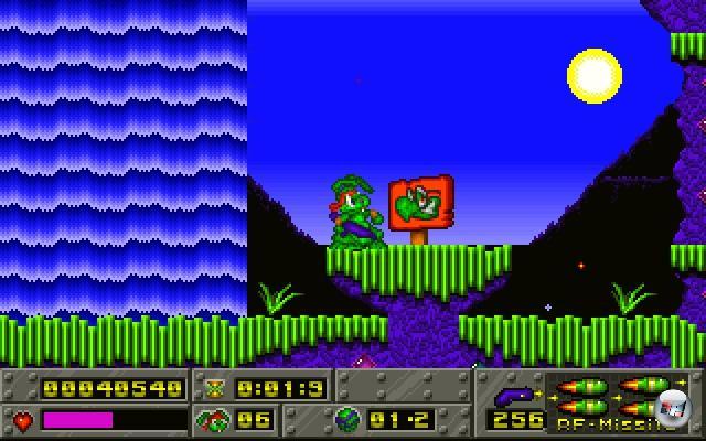 <b>Jazz Jackrabbit (Epic MegaGames, 1994)</b><br><br>Ein heldenhafter Hase, eine aufreizende H�sin, ein diabolisch grinsender Schildkr�terich (mit Brille!) und jede Menge Waffen - Jazz Jackrabbit war in mehr als einer Hinsicht ebenso bekloppt wie bemerkenswert. Und vor allem technisch der Hammer, sorgten die Entwickler von Epic doch erstmals auf miefigen PCs f�r rasantes Konsolen-Sonic-Wahnsinns-Scroller-Gef�hl. Interessantes Nebendetail: Designer Cliff Bleszinski hat mittlerweile nicht mehr viel mit Hasen, sondern vielmehr mit Kettens�gen zu tun. Ob sich das irgendwann kombinieren l�sst? 1936303