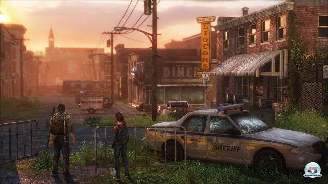 Idyllische Ausblicke inmitten der Zerstörung: Naughty Dog inszeniert eine stellenweise wunderschöne Endzeit.