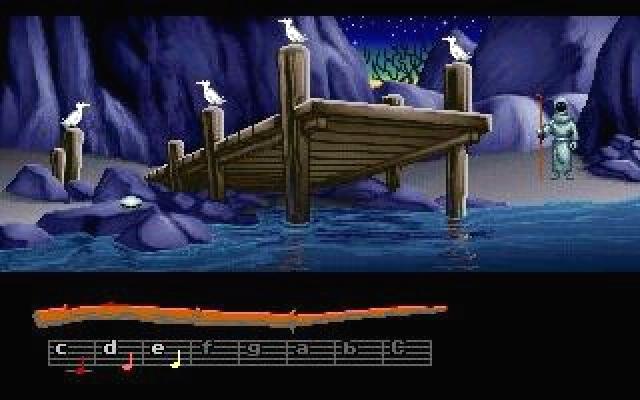 <b>Loom</b><br><br>...mag nicht der erfolgreichste Titel der legendären Adventure-Schmiede Lucasfilm Games gewesen sein, er ist auch nicht der beliebteste. Aber er war nachweislich einer der innovativsten - ob das daran gelegen haben mag, dass er vom ehemaligen Infocom-Visionär Brian Moriarty designt wurde? Jedenfalls brach Loom mit allen damals gängigen Steuerungs-Konventionen der Adventures, und lieferte trotz SCUMM-Basis keine Verben, sondern ein Kontrollsystem, das auf Melodien basierte. Völlig abgefahren, besonders auf dem höchsten der drei Schwierigkeitsgrade, in dem ihr besser ein absolutes Gehör haben solltet, um die Noten korrekt zu erfassen. Das Spiel erschien im Januar 1990, war sehr kurz, sehr experimentell - und ist vermutlich deshalb bis heute sowohl einzigartig als auch ohne Nachfolger gesegnet. 1861383