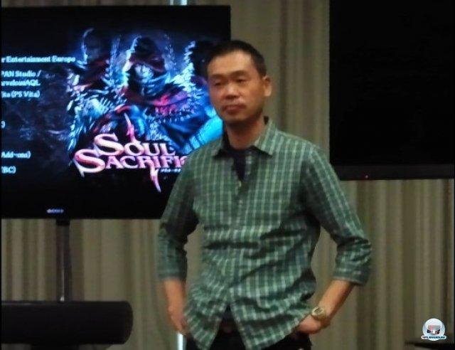 Seinen bizarren Schöpfungen sieht Inafune zwar nicht besonders ähnlich, trotzdem haben ihn autobiographische Gedanken zum Spiel inspiriert.