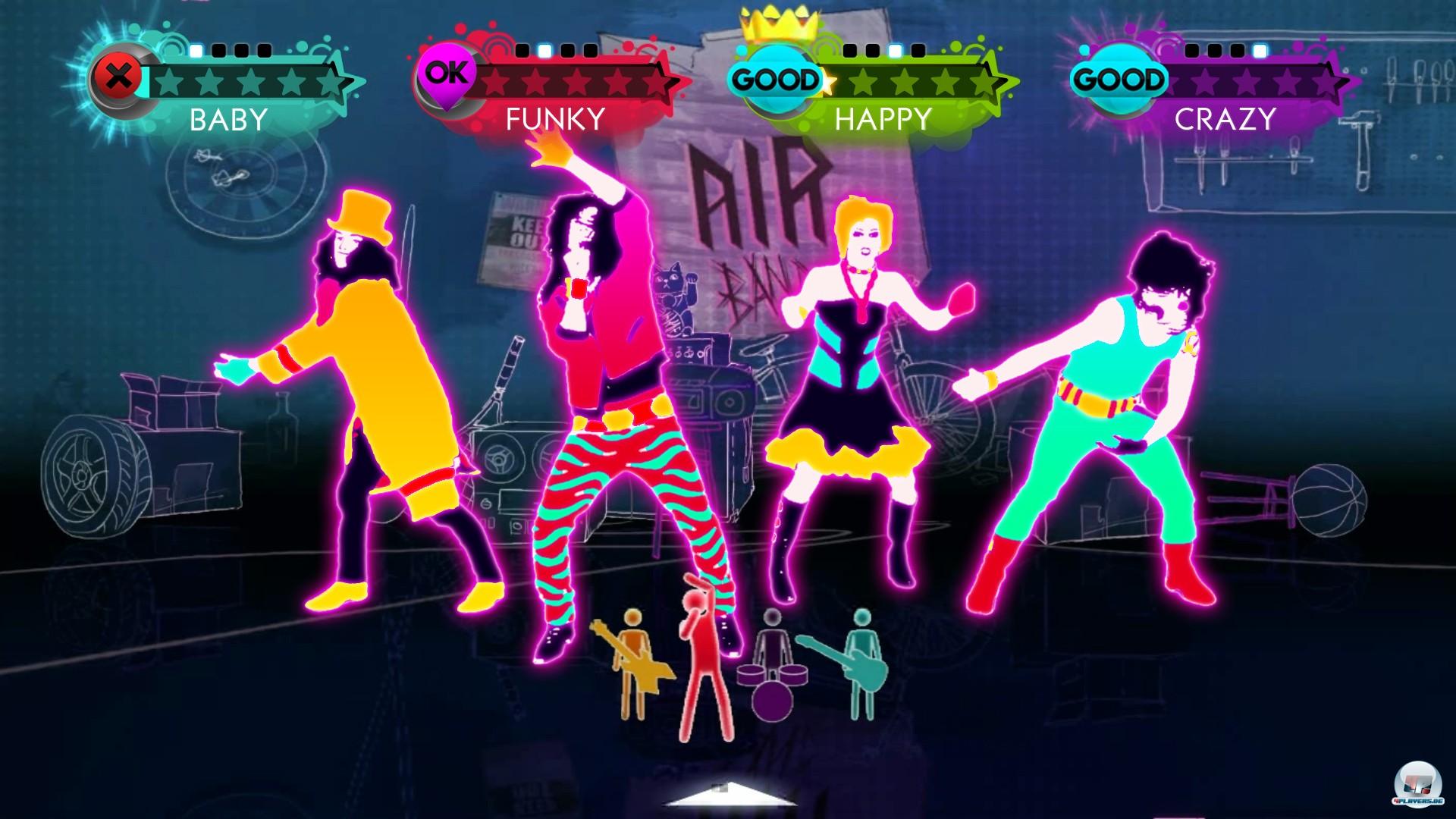 Bis zu vier Spieler können sich vor dem Bildschirm verrenken, wobei mitunter sogar spezielle Choreografien angeboten werden.