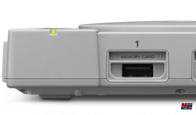Controller werden per USB angeschlossen. Leider funktionieren nur die mitgelieferten Pads.