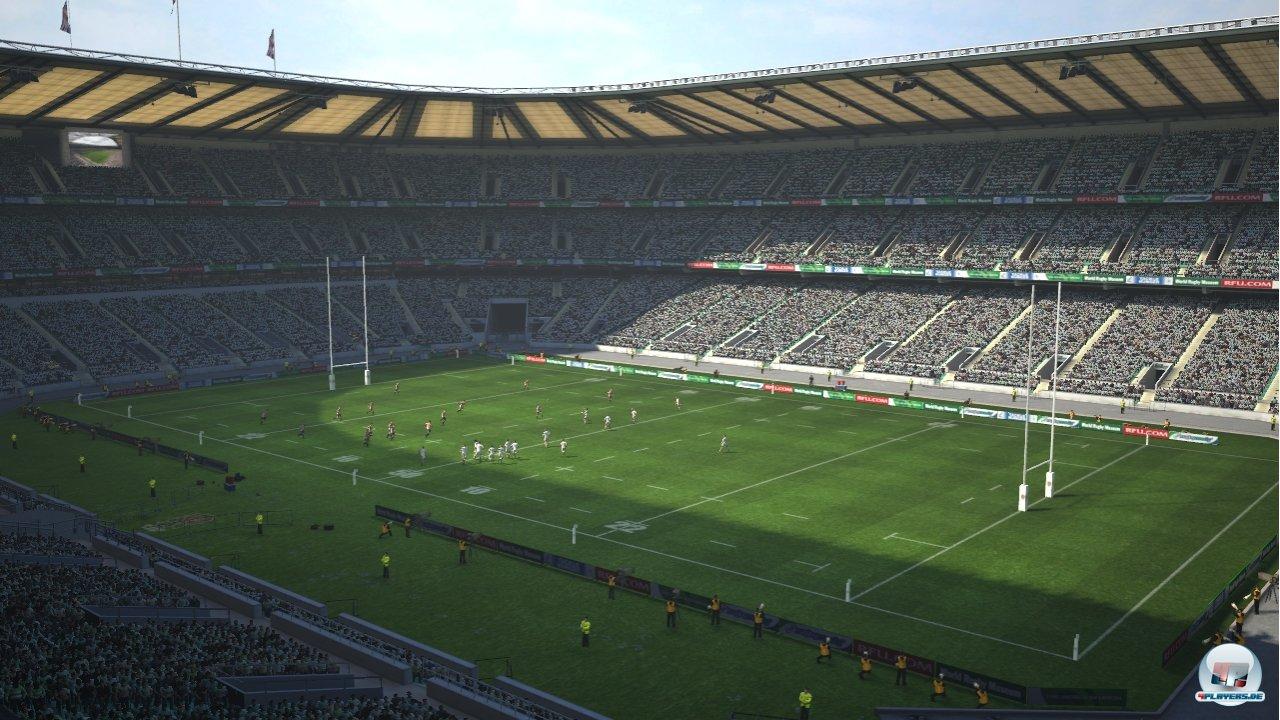 In der Totalen hinterlässt das prall gefüllte Stadion einen guten Eindruck - im Detail sieht das anders aus...