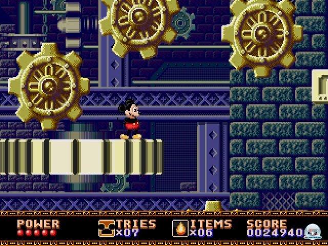 Schwer ist Castle of Illusion zwar nicht, aber einige Levels (wie hier der Ausflug ins gigantische Uhrwerk) halten eine solide Herausforderung bereit.