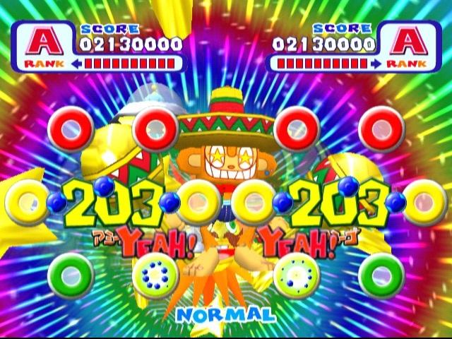 <br><br>Noch lange vor Guitar Hero, Rock Band & Co brachte Sega ein Musikspiel in die Spielhallen (und auf Dreamcast), das zurecht Kultstatus besitzt: Samba de Amigo wurde mit zwei kabelgebundenen Maracas-Controllern (inklusive echten Rasseln) gespielt - f�r die Bewegungserkennung sorgte ein Sensor auf dem Boden. Allerdings war die Anschaffung ein teures Vergn�gen: Etwa 500 DM kostete der Rassel-Spa�, der vor allem auf Partys der letzte Schrei war! Die Rasseln von Drittanbietern waren zwar g�nstiger, aber l�ngst nicht so pr�zise wie die Sega-Originale. Wohl dem, der heute noch die Ausr�stung besitzt, denn selbst das Remake auf Nintendos Wii konnte nicht an die Vorlage heran reichen. Neue Songs gab es auf Dreamcast noch in Form von Samba de Amigo 2000, doch schaffte es das Add-On nie offiziell nach Europa. 2068233
